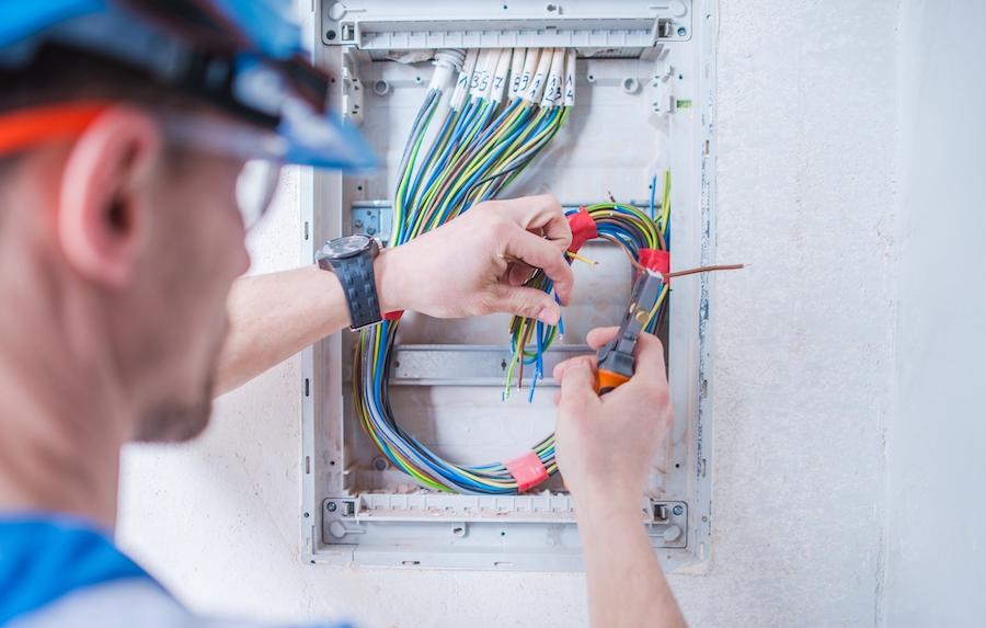 electrician la domiciliu S6