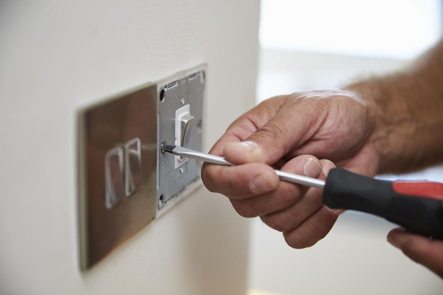 electrician la domiciliu S5