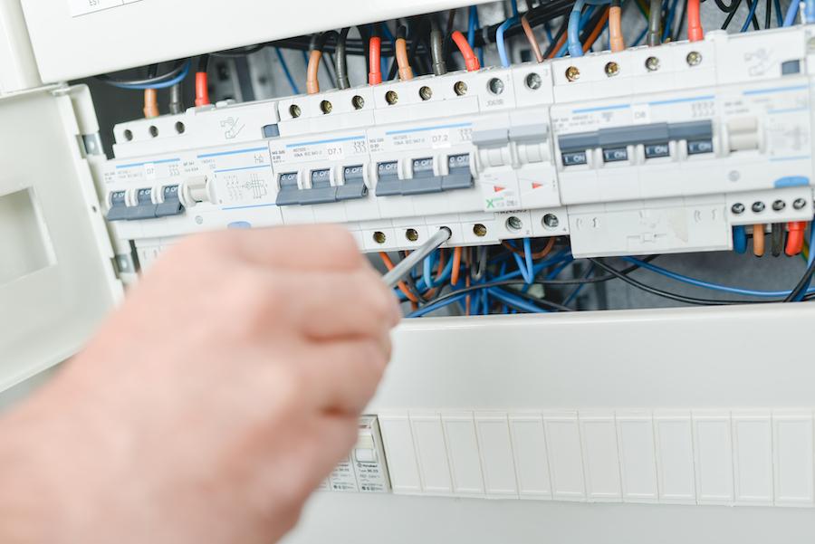 electrician la domiciliu S4