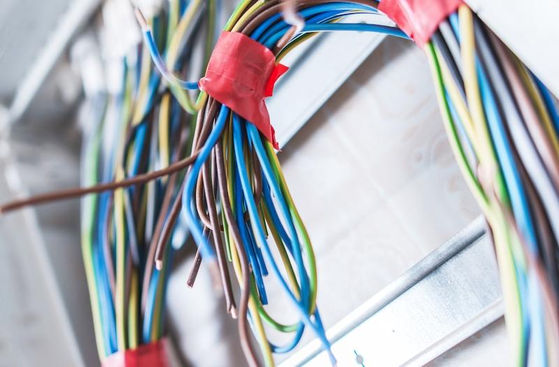 Cauzele frecvente ale incendiilor electrice dintr-o locuinta